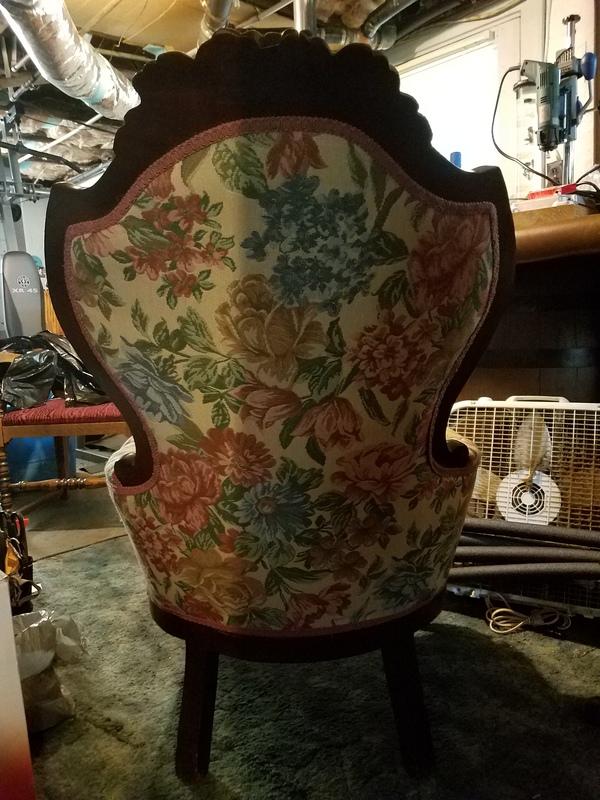 Antique Victorian Queen Anne Chair.