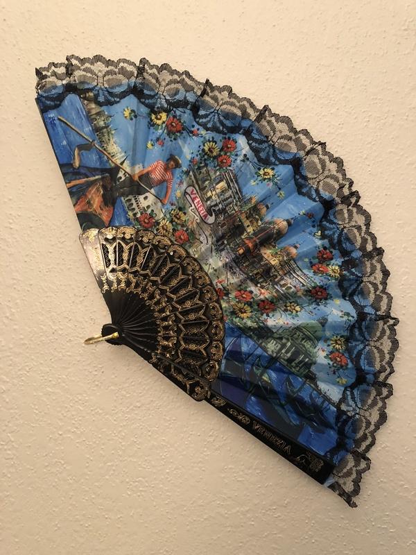 wall hanging—fan